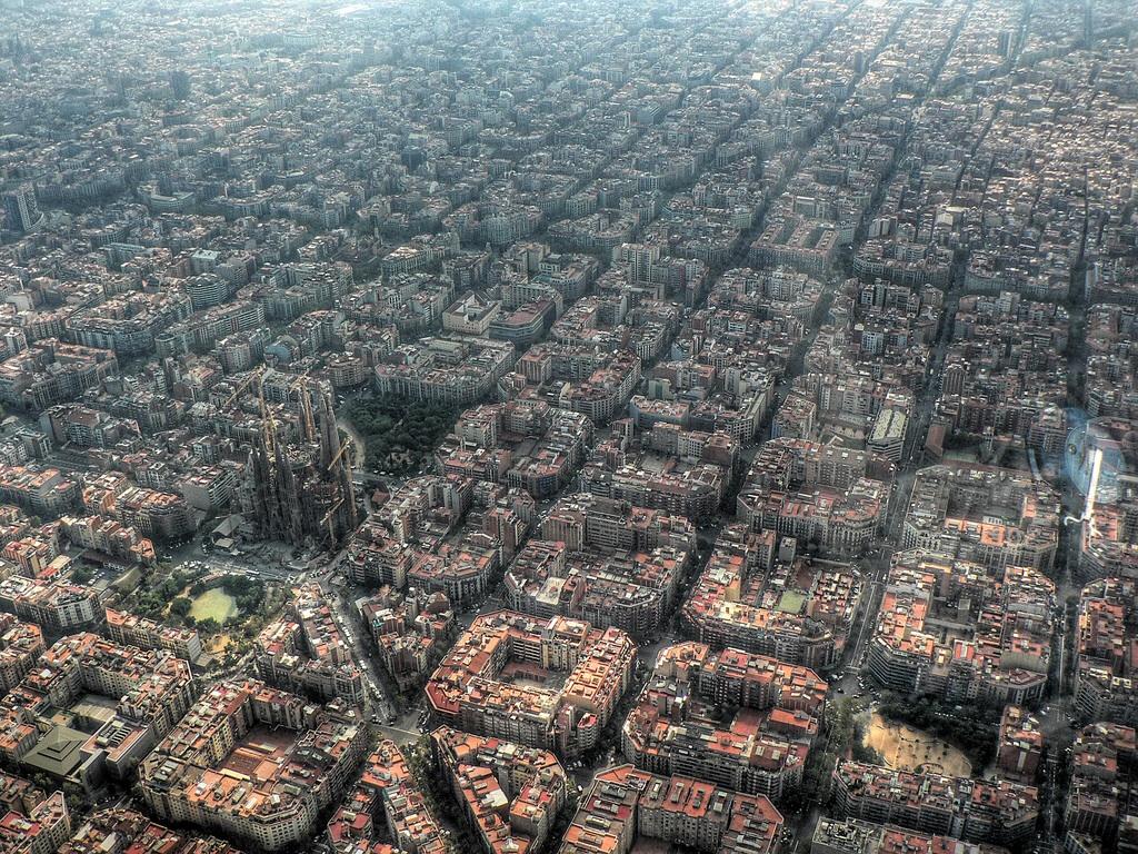 バルセロナを上から見ると